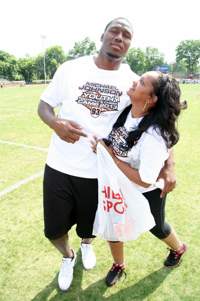 Laughs with Carlos Dunlap 3   MJ93.org