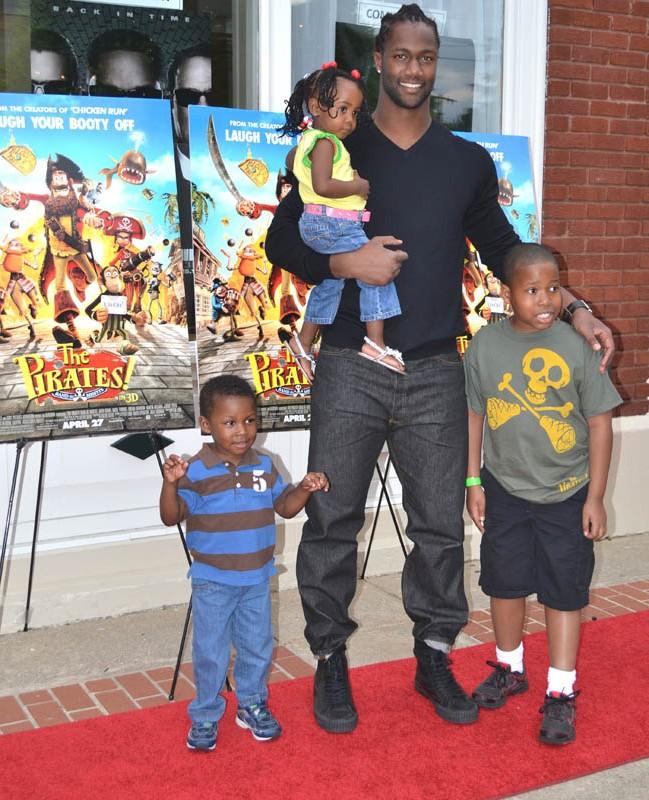 MJ93-90 Fund Advance Red Carpet Screening of The Pirates! Movie
