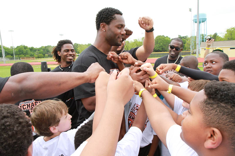 6th Annual Michael Johnson Youth Football and Cheer Camp Weekend a Huge Success!