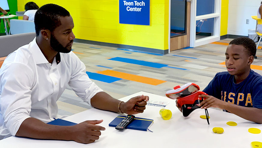 Best Buy & Michael Johnson partner to bring Teen Tech Center to Selma